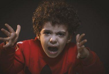 Wut, wütend, Rage, Verzweiflung, Entsetzen, Facebook-Gruppen