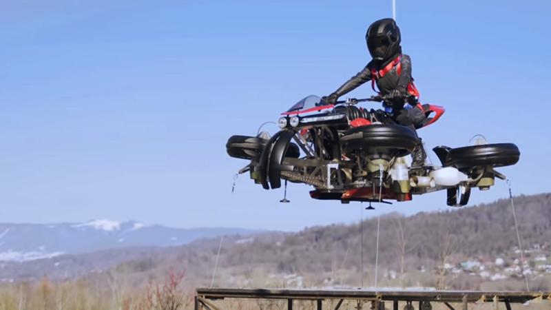 La Moto Volante Lazareth in der Luft Testflug