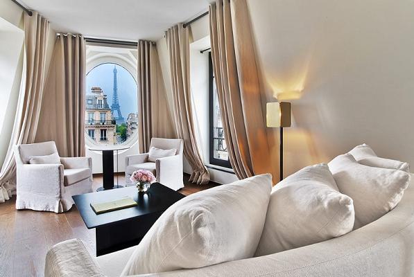 Le Metropolitan Paris Zimmer mit Sicht auf den Eiffelturm