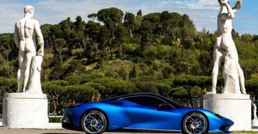 Battista blau mit Landschaft und Statuen