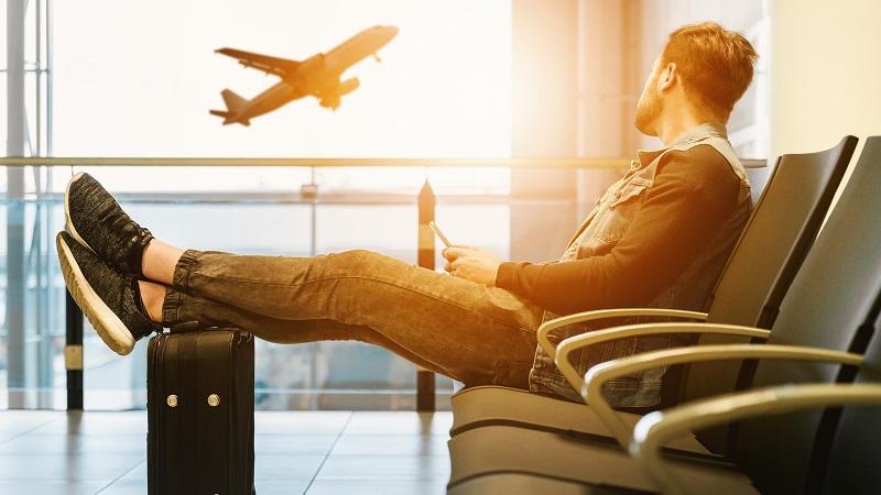 Flughafen Passagier im Warteraum