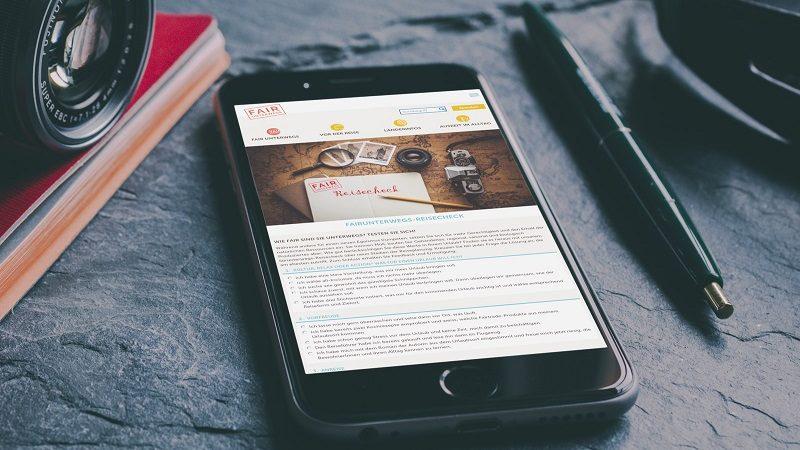 Webseite von Fairunterwegs auf einem Smartphone-Bildschirm
