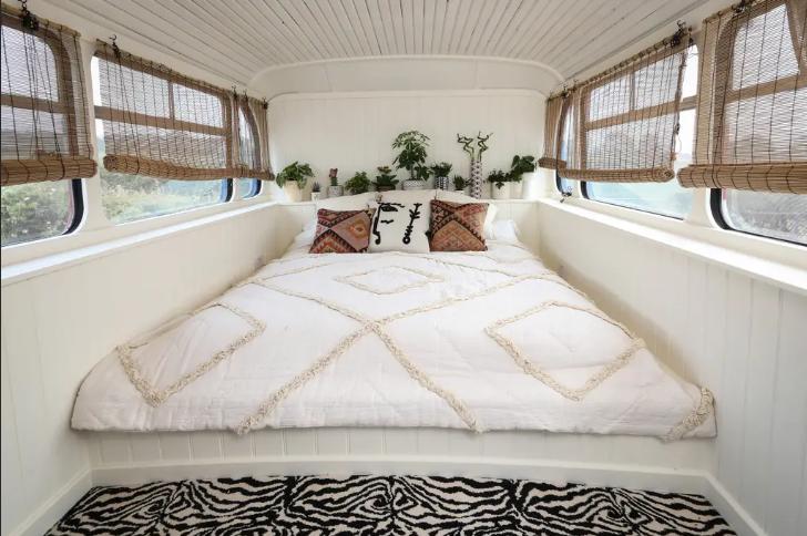 Spicebus Airbnb Bett
