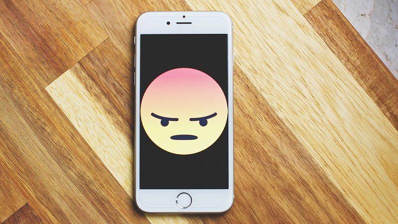 Wütend Emoji Smartphone