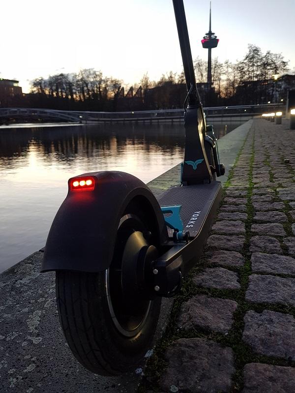 Yorks S1-Elite E-Scooter von hinten