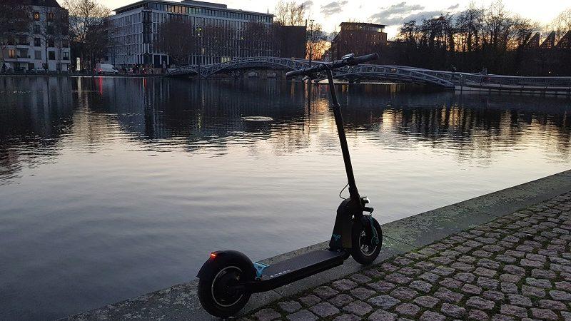 Yorks S1-Elite E-Scooter Seitenansicht
