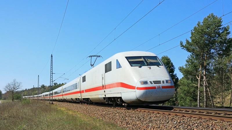 Zug, ICE, Bahnfahren