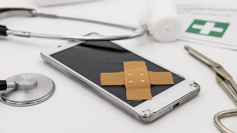 Smartphone, Pflaster, Smartphone-Doktor, Arzt, robuste Smartphones, stabile Smartphones, langlebige Smartphones, stabilste Smartphones