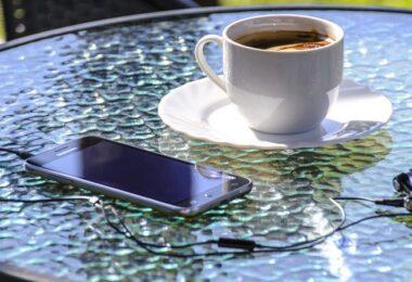 Smartphone, Glastisch, Kaffee, Kaffeetasse, Sonnenschein, Sonne, Sommer