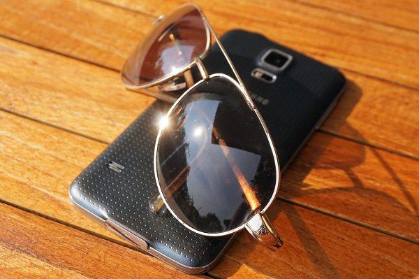 Smartphone, Android, Sonnenbrille, Sommer, Sonnenschein, Smartphone-Akku