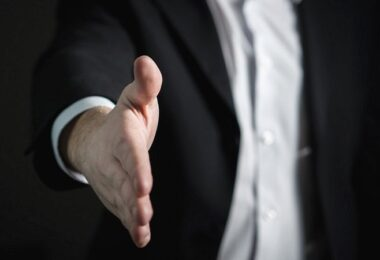 Handschlag, Handshake, Vereinbarung, Vertrag, Drag-Along-Klausel