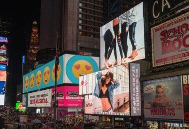 Werbung, Advertising, Außenwerbung, OOH, DOOH, Digital Out Of Home, schlechte Werbung