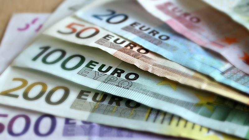 Euro, Bargeld, Geldscheine, Geld, Gehalt, Digitalbranche