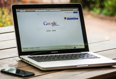 Google, Google-Suche, Macbook, Keyword-Recherche