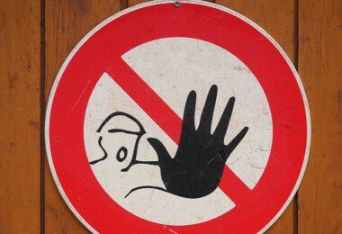 Stop, Halt, Stop-Schild, Achtung, Warnung, Gefahr, Facebook-Seiten