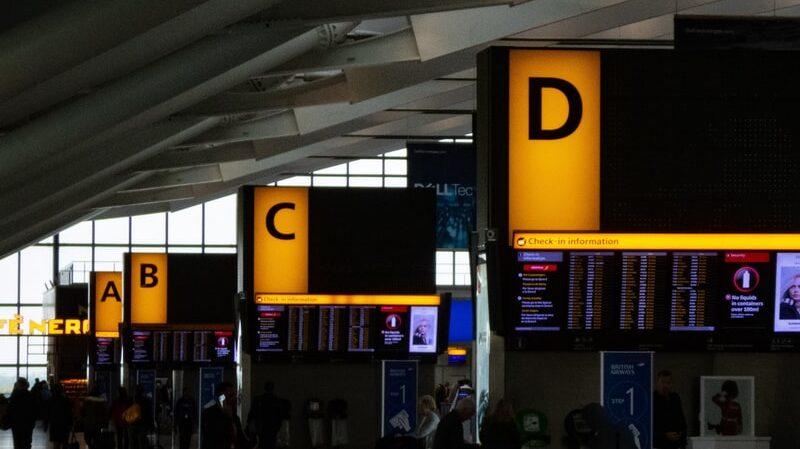 Sicherheitskontrolle, Check-In, Flughafen