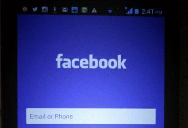 Facebook, Facebook-Login, Facebook-App, WhatsApp-Verbot
