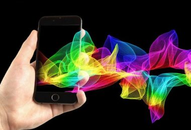 Smartphone. Licht, Lichtwellen, Wireless Charging