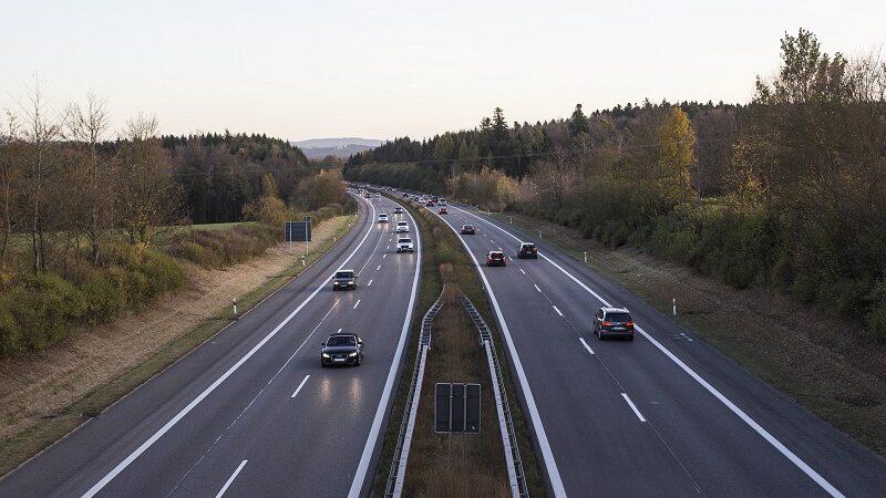 Autobahn, Auto, Verkehr, Straße, Tempolimit