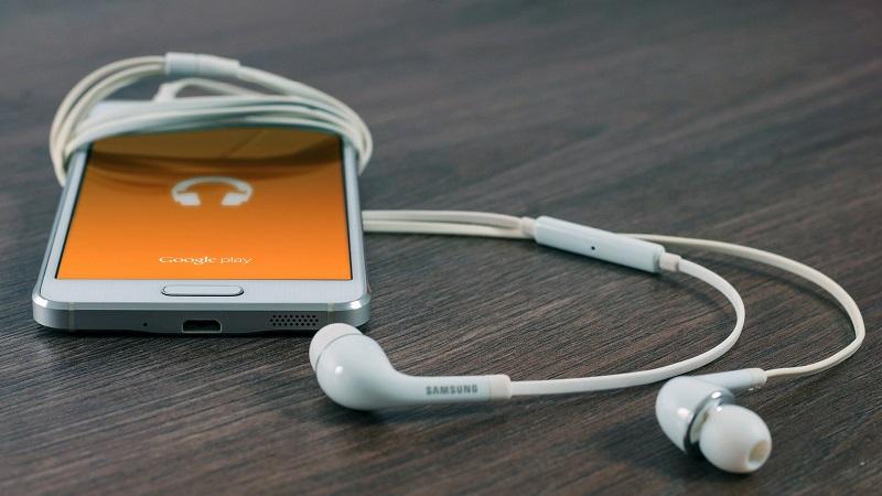 Samsung, Smartphone, Kopfhörer, Podcast, Google