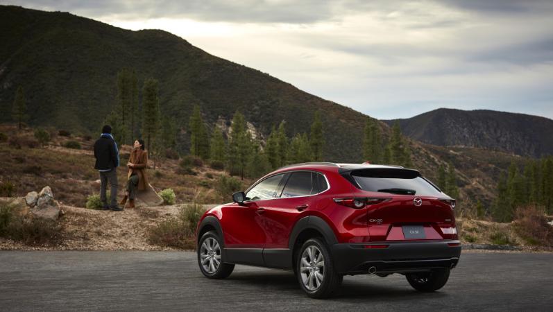 Mazda CX-30, Auto, Berge, Wald, Landschaft, Paar