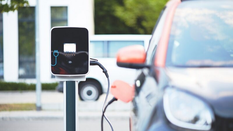Elektroauto, E-Auto, Elektromobilität, laden, Ladesäule