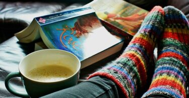 Buch, lesen, Kaffee, gemütlich