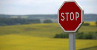 Stopschild, Stopp, Stop, Verkehrsschild, Verkehrszeichen, Straßenschild, Verkehr