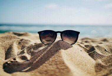 Strand, Meer, Sonne, Sonnenbrille, Erholung, Booking.com