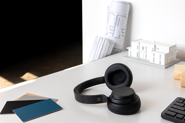 Microsoft Surface, Surface Headphones 2