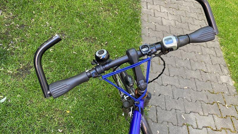 Fahrrad, Fahrradlenker, Gepäckträger, Carryyygum