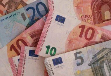 Geldscheine, Geld, Euro, Euros, Bürgschaft