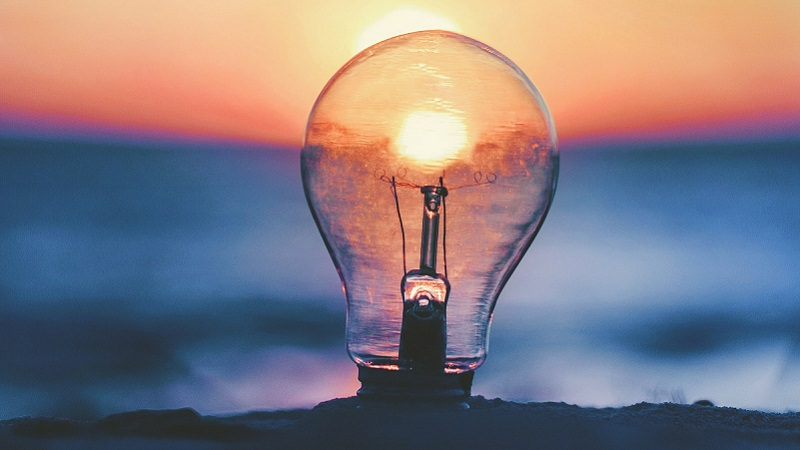 Glühbirne, Sonnenuntergang, Licht, innovativste Unternehmen in Europa, innovativste Firmen Europa