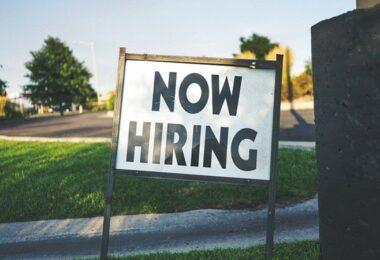Now hiring, hiring, hire, Jobsuche, Jobs, Arbeit, offene Stellen, Software-Entwickler