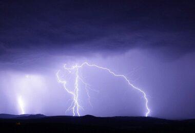Blitz, Gewitter, Sturm. Donner, Blitzschaden, Blitzschäden