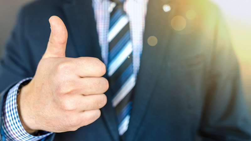 Daumen nach oben, Thumbs up, Lob, Zuspruch, Employer Branding