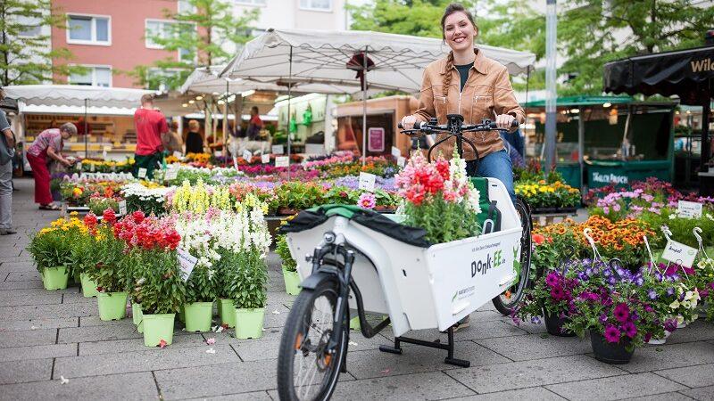 Donk-EE, Lastenrad, E-Lastenrad, Köln, Blumen, Cargobike, Frau