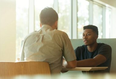 Gespräch, Unterhaltung, Konversation, aktives Zuhören, gute Zuhörer