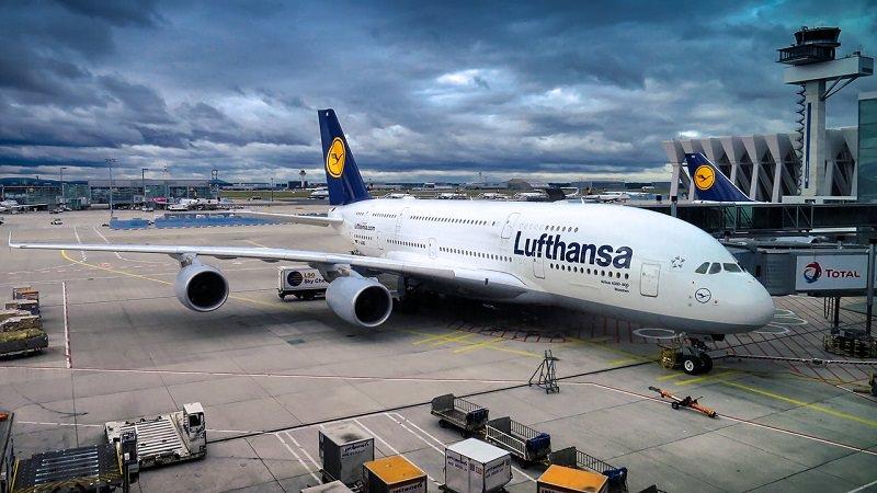 Lufthansa, Airbus A380, Airline, Flugzeug, Flughafen, DAX-Verlierer