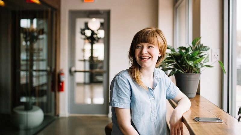 Zufrieden, Zufriedenheit, glücklich, happy, Happiness, Mitarbeiterzufriedenheit, Digital Marketing Manager