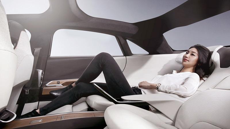 Lucid Air, Design, Auto, Limousine, Frau