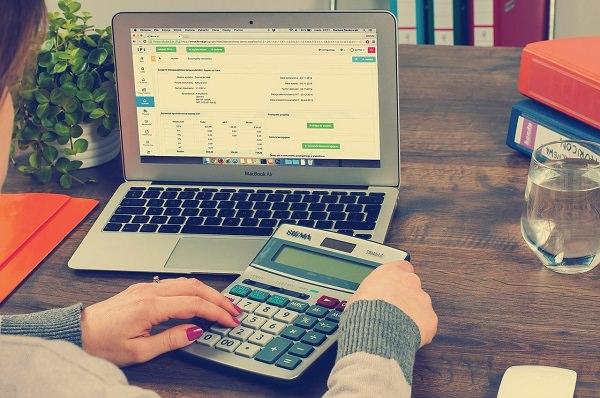 Laptop, Taschenrechner, Finanzen, Tabelle, Statistik, Top-Gehälter