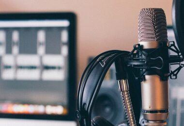Mikrofon, Radio, Studio, Aufnahme, Audio, Audio transkribieren, Texte transkribieren, Videos transkribieren