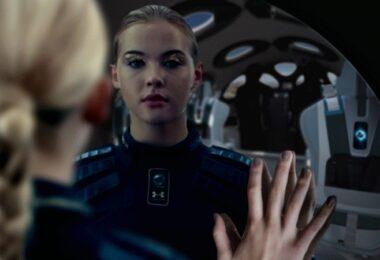 Raumschiff, Spiegel, Frau, Virgin Galactic, Schwerelosigkeit