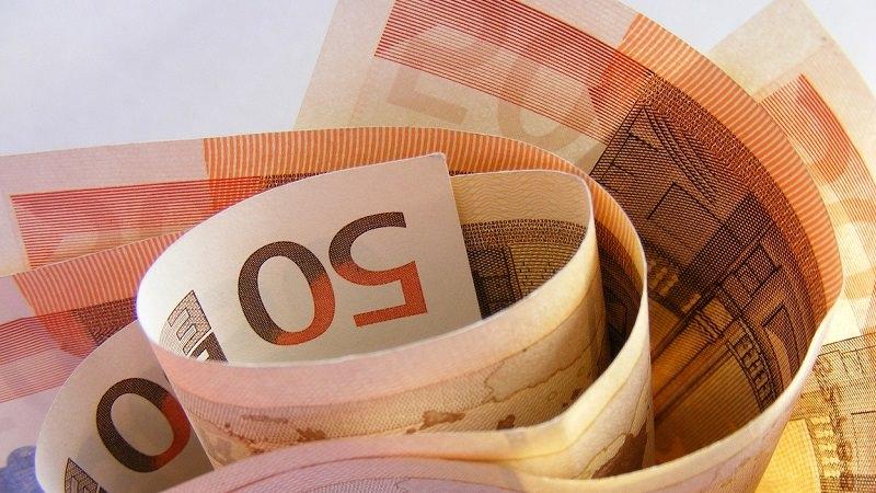 Geld, Gehalt, Einkommen, Geldscheine, höchstes Gehalt