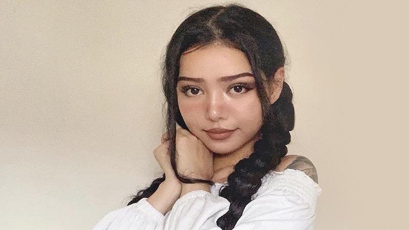 Bella Poarch, Tik Tok, Instagram