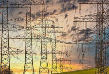 Strommasten, Strommast, Energieversorgung, Energieversorger, Anbieterwechsel Strom, Anbieterwechsel Gas
