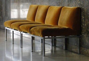 Wartebereich, Wartezimmer, Stühle, Vorbereitung auf das Vorstellungsgespräch