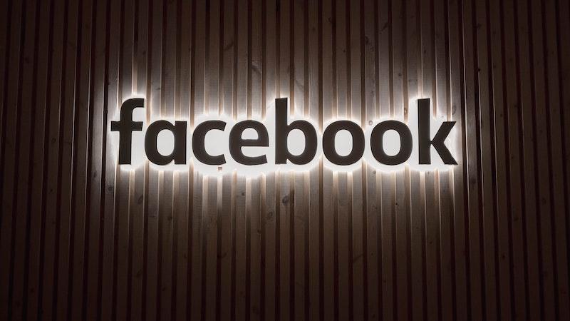 Facebook, Holocaust