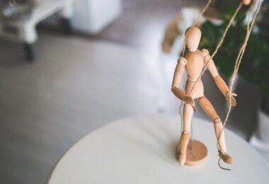 Puppe, Figur, Holzfigur, Marionette, Holz-Körper, Isolation